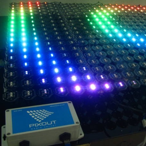 Dynamic LED lighting on puzzle Pix screen